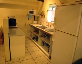 Cederberg Cottage clay house Kitchen2 270x210 Cederberg Cottages