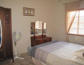 Chalet Bedroom Copy 270x210 Cederberg Cottages